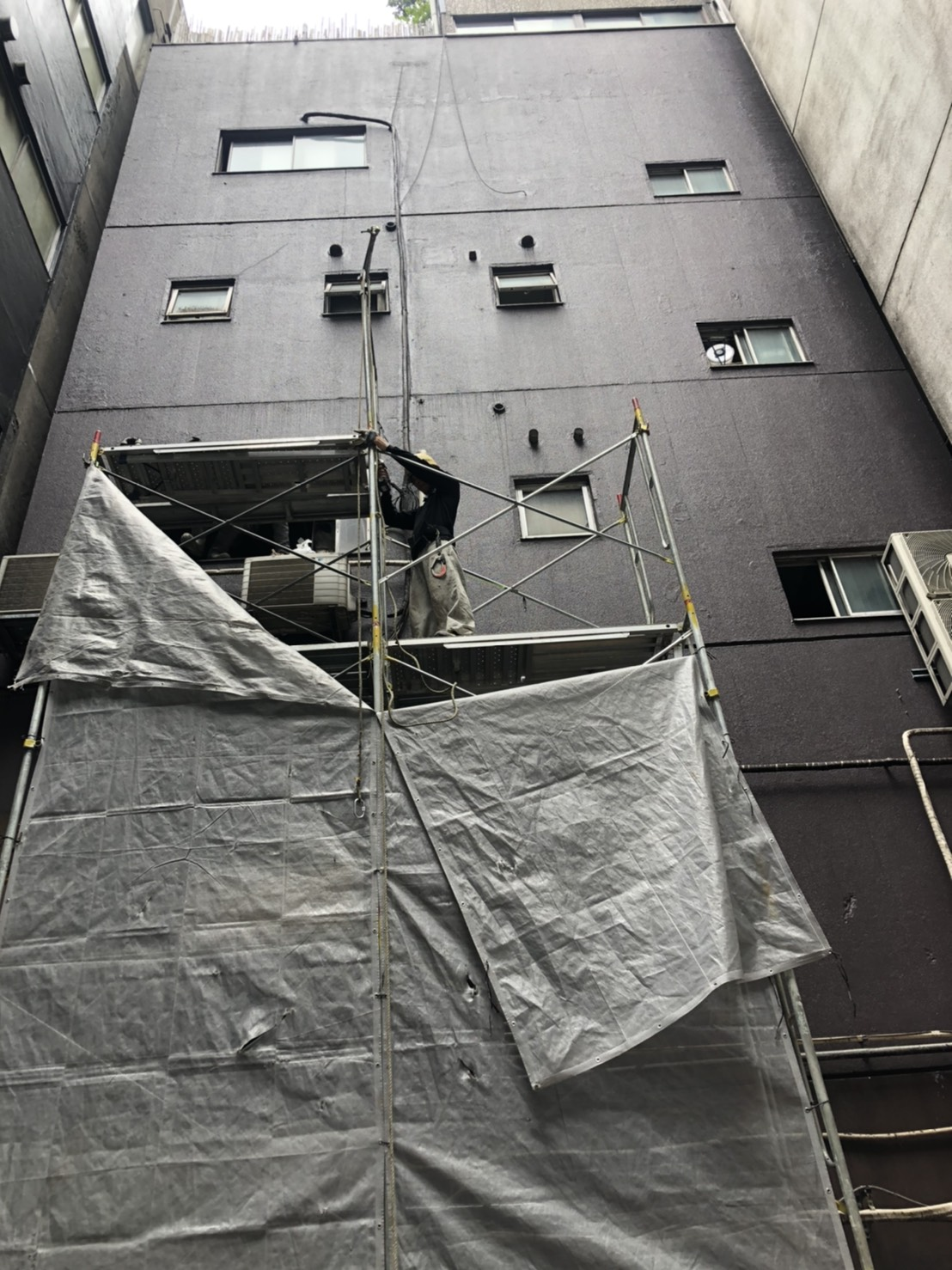 【足場組み作業】施工事例のご紹介